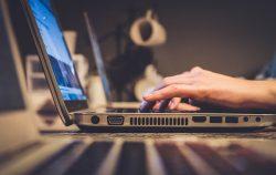 法人の青色申告承認申請書・給与支払事務所等の開設届出書・源泉所得税の納期の特例の承認に関する申請書の書き方、ネット(e-Tax)で提出する方法。